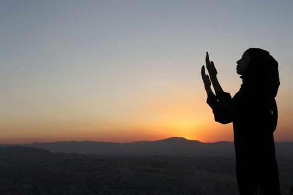 نئے سال 2015 کا سورج طلوع ہوگیا ، پاکستانی شہری ملک میں قیام امن کے خواہاں