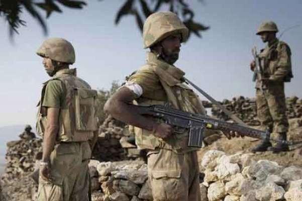 بھارتی فوج کی ورکنگ باﺅنڈری پر فائرنگ ،پاک فوج کی جوابی فائرنگ پر بھارتی ..