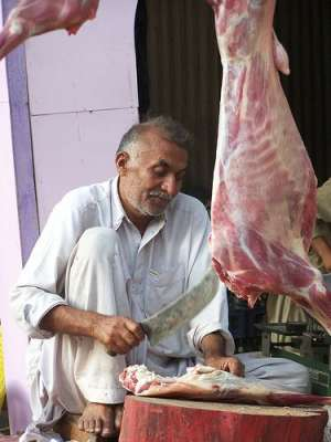فیصل آباد، مضر صحت،غیر معیاری اور ناقص گوشت فروخت ، گدھوں کا گوشت بھی ..