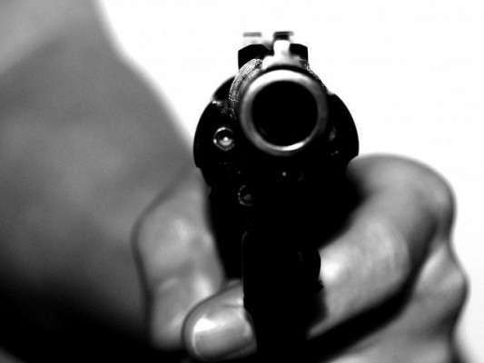 کراچی ، یوسف پلازہ میں سعودی عرب پلٹ کمپیوٹر انجینئر کو ٹارگٹ کلرز ..