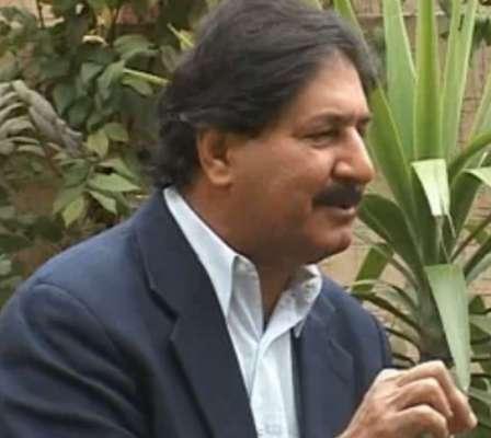 معین خان نے شارجہ میں مصباح الحق کو قیادت سے ہٹانے کی سازش کی،سرفرازنواز