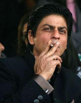 مداحوں سے کیاگیا سگریٹ نوشی ترک کرنے کا وعدہ وفا نہ کرسکا:شاہ رخ خان