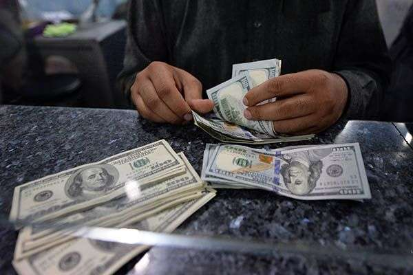 کراچی ،انٹربینک اوراوپن کرنسی مارکیٹ میں ڈالر کے مقابلے پاکستانی روپیہ ..