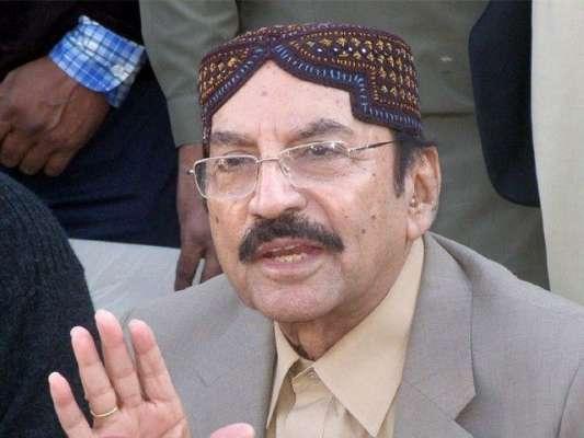 کراچی : وزیر اعلی سندھ قائم علی شاہ نے ایم کیو ایم کے مرکز پر چھاپوں ..