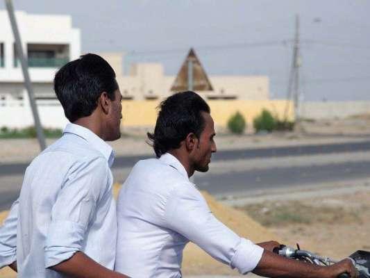 کراچی میں 23مارچ تک موٹرسائیکل کی ڈبل سواری پر پابندی عائد، نوٹیفکیشن ..