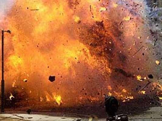 کراچی :برہانی مسجد کی قریب بم دھماکہ