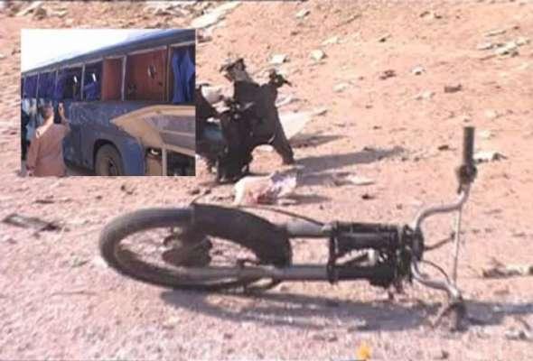 کراچی :شاہ لطیف میں پولیس موبائل کے قریب دھماکہ ، دو اہلکار شہید ، 15 ..
