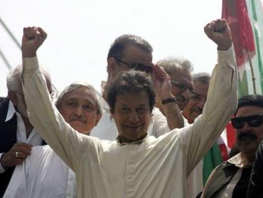 استقبال کیلئے نائن زیرو انڈے اور ٹماٹر پہنچ گئے،عمران خان کا دعوی
