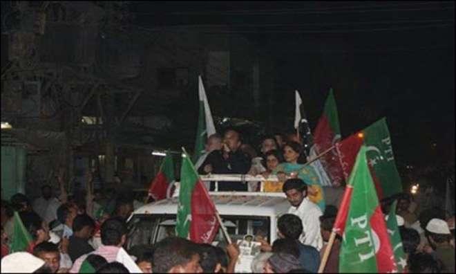 کراچی، عمران خان نے انتخابی مہم کے دوران ایک درجن سے زائد بار اپنا روٹ ..