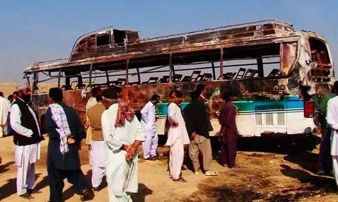 دادو ، باراتیوں کی بس پر بجلی کے تار گرنے سے خواتین اور بچوں سمیت 11افراد ..