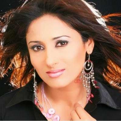 """اداکارہ فرزانہ تھیم حیدر آباد میں ڈرامہ سیریل """"تیر ے میرے بیچ میں """"کی .."""