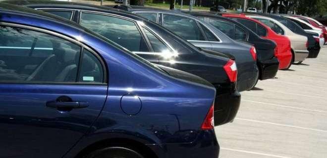 سیالکوٹ پارکنگ میں کھڑی گاڑی میں دم گھٹنے کے باعث 2 بچے جاں بحق ہوگئے