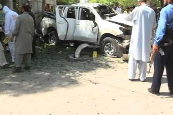 پشاور،ڈپٹی کمانڈنٹ فرنٹیئر کورکی گاڑی پر خود کش حملہ ،2 اہلکاروں سمیت3 ..
