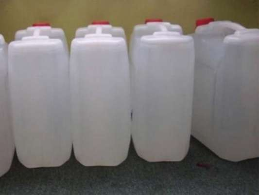 سعودی سیکیورٹی فورسزکا قصیم ریجن میں جعلی آب زم زم کی فیکٹری پرچھاپا ..