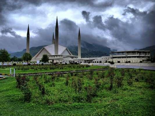 پنجاب کے مختلف علاقوں میں بوندا باندی سے موسم خوشگوار ہو گیا