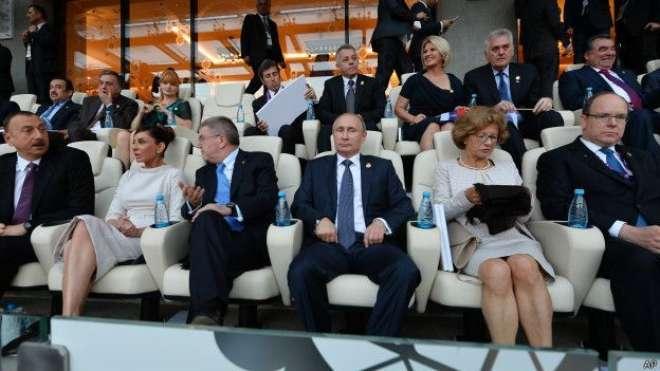 آذربائیجان کے صدر نے دارالحکومت باکو میں ہونے والی ایک رنگا رنگ تقریب ..