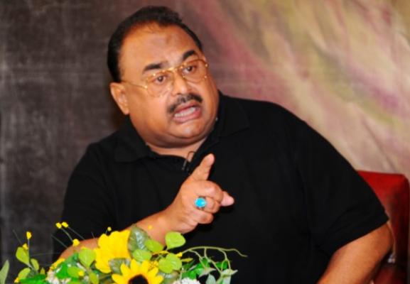 کراچی : ایم کیو ایم رہنما الطاف حسین نے وزیر اعظم نواز شریف سے استعفے ..