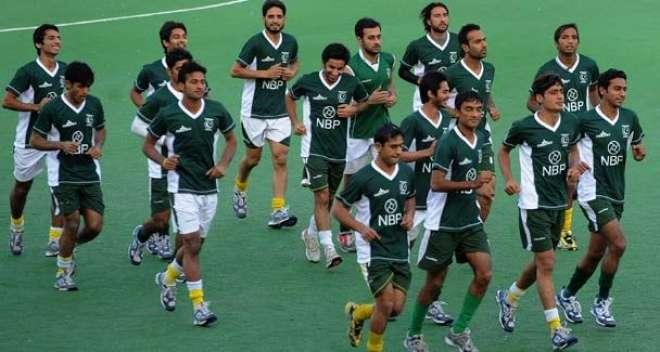 لاہور:اولمپک کوالیفائنگ راوٴنڈمیں شرکت کیلئے قومی ہاکی ٹیم بیلجئم ..