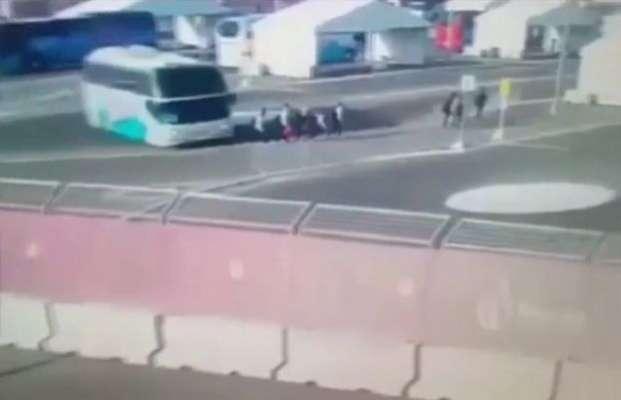آزربائیجان : یورپین گیمز کے موقع پر تین آسٹریئن خواتین پیراک بس تلے ..