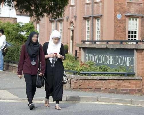 برطانوی اسکولوں نے ماہ رمضان میں طلبا  کے روزے رکھنے پر پابندی عائد ..