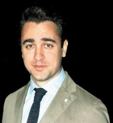 اداکار عمران خان ڈیڑھ سال سے پردے سے غائب