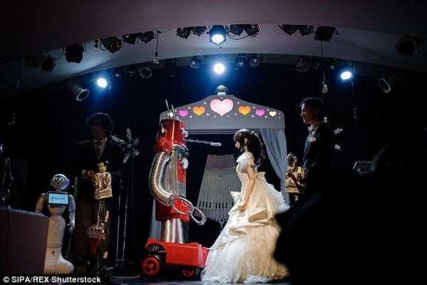 دنیا میں پہلی بار روبوٹس کی شادی