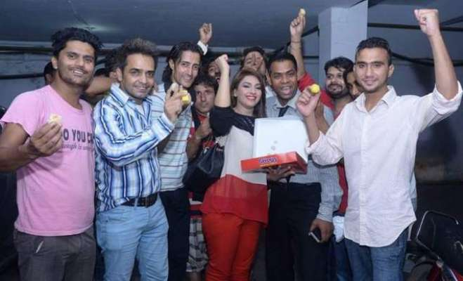 اداکارہ ماہ نور نے ایاز صادق کے دوبارہ اسپیکر قومی اسمبلی منتخب ہونے ..