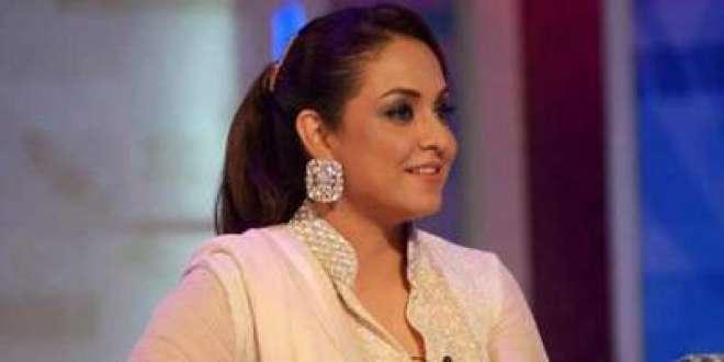 طویل عرصے بعد معروف ٹیلی ویژن میزبان نادیہ خان کی واپسی کی تیاری