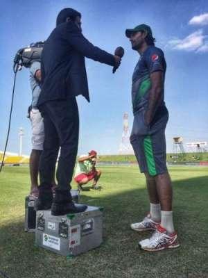 دراز قد فاسٹ باؤلر محمد عرفان بلے بازوں کے بعد کمنٹیٹروں کیلئے بھی ..
