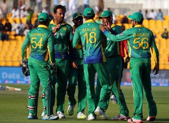 پاکستان بمقابلہ انگلینڈ دوسرا ایک روزہ میچ، پاکستانی تیز گیند بازوں ..
