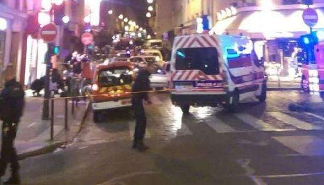 پیرس دہشت گرد حملہ، تمام مواصلات کا نظام مفلوج
