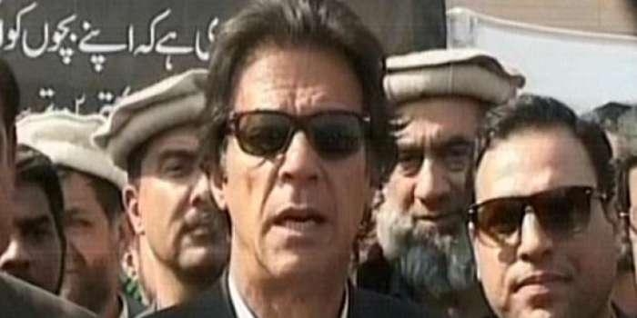 عمران خان نے اختلافات بھلا کربچوں کی صحت کے لیے وفاقی حکومت سے اتحاد کر لیا