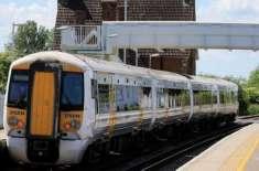خوشگوار موسم کے باعث برطانوی ٹرینیں تاخیر کا شکار ہونے لگی