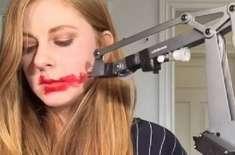 لپ اسٹک روبوٹ، جسے کوئی خاتون خریدنا نہیں چاہے گی