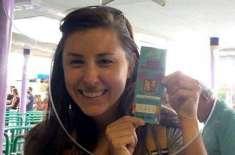 ایک خاتون نے 1994 میں خریدے گئے ٹکٹ سے  اب ڈزنی لینڈ کی سیر کی