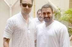 عمران خان کی افطار پارٹی میں عامر خان کی خاندان سمیت شرکت