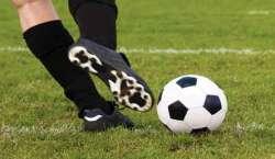 ڈچ فٹ بال لیگ ، اجاکس ایمسٹرڈیم اور روڈا کا میچ دو دو گول سے برابر