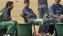 پاکستان کرکٹ ٹیم کی بس ڈھاکہ میں سٹیڈیم سے ہوٹل واپس آتے ہوئے راستے ..