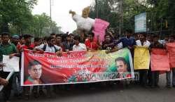 ورلڈ ٹی 20 میں باؤلرز پر پابندی ، بنگلہ دیشی شائقین سڑکوں پر نکل آئے