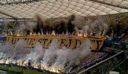 پولینڈ ،فٹبال شائقین کاپسندیدہ ٹیم کو انوکھا اور حیرت انگیز خراج تحسین