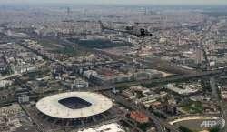 یورو کپ کا افتتاحی میچ ،سیکیورٹی کے لئے دوران میچ سیکیورٹی ہیلی کاپٹر ..