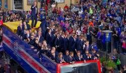 آئس لینڈ فٹبال ٹیم کا وطن واپس پہنچنے پر شاندار استقبال