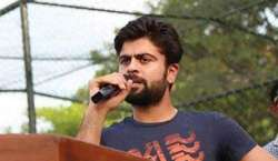 احمد شہزاد نے انوکھے طریقے سے گرین شرٹس کولارڈز ٹیسٹ جیتنے کی مبارکباد ..