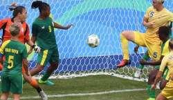 ریو اولمپکس کی افتتاحی تقریب سے قبل ویمن فٹ بال کا آغاز