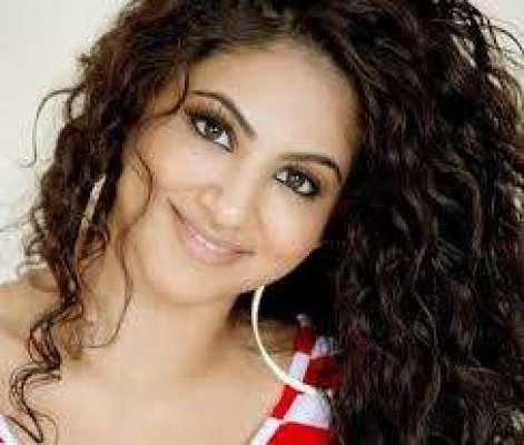 اداکارہ و گلوکارہ عینی طاہرہ ..