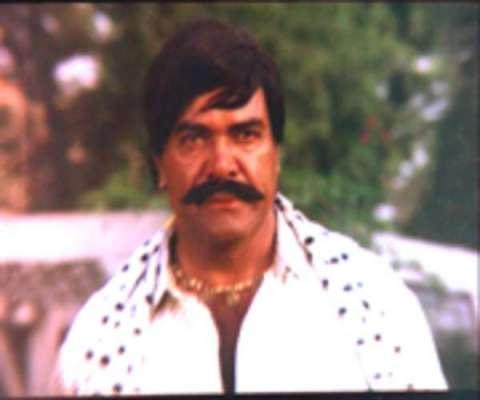 پاکستان فلم انڈسٹری پر اڑھائی ..