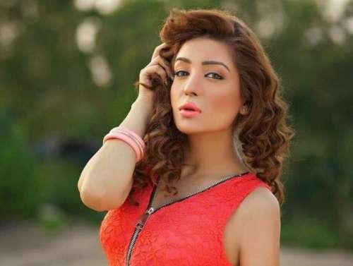اداکارہ وماڈل عائشہ خان کی سالگرہ ..
