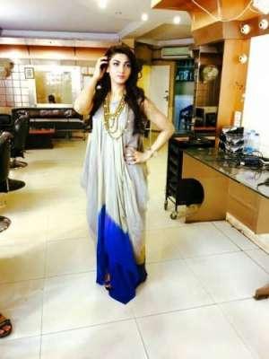 اداکارہ ثناء ایک روز لاہور میں ..