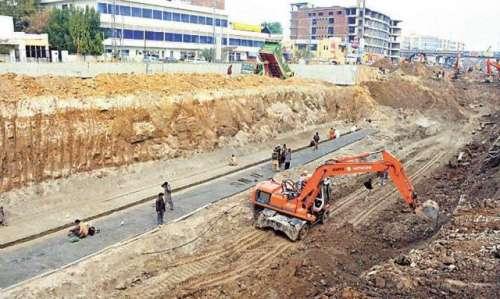 لاہور، میٹرواورنج لائن ٹرین ..