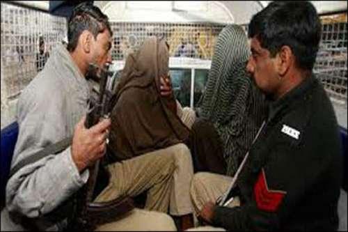 لاہور: اسلحہ کی سمگلنگ کی کوشش ..